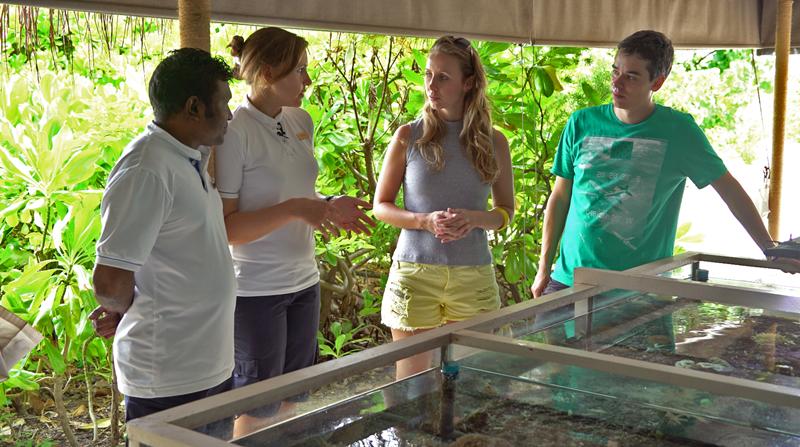 Conversando com os biólogos Verena e Hassan