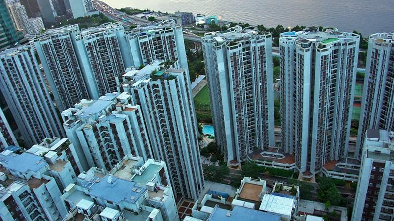 Prédios residenciais altos são muito comuns