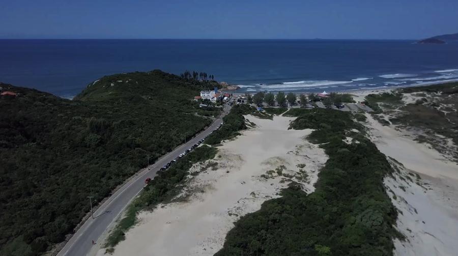 O caminho até a praia da Joaquina Florianópolis