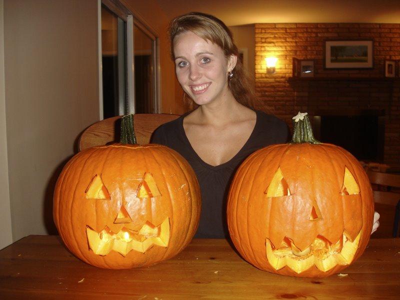 Gisella com as aboboras prontas Halloween